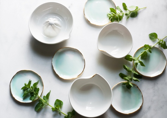 mint-dishes-with-oregano_02b7b3ae-680f-42b2-aa96-041d01a3c4c0